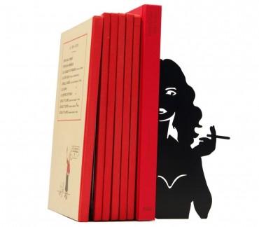 presse livres d co polar cigarette de shohan design une pin up grand format pour caler bd. Black Bedroom Furniture Sets. Home Design Ideas