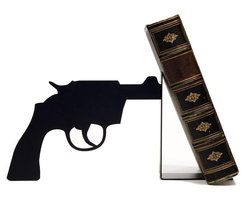 Gun, le premier serre-livres